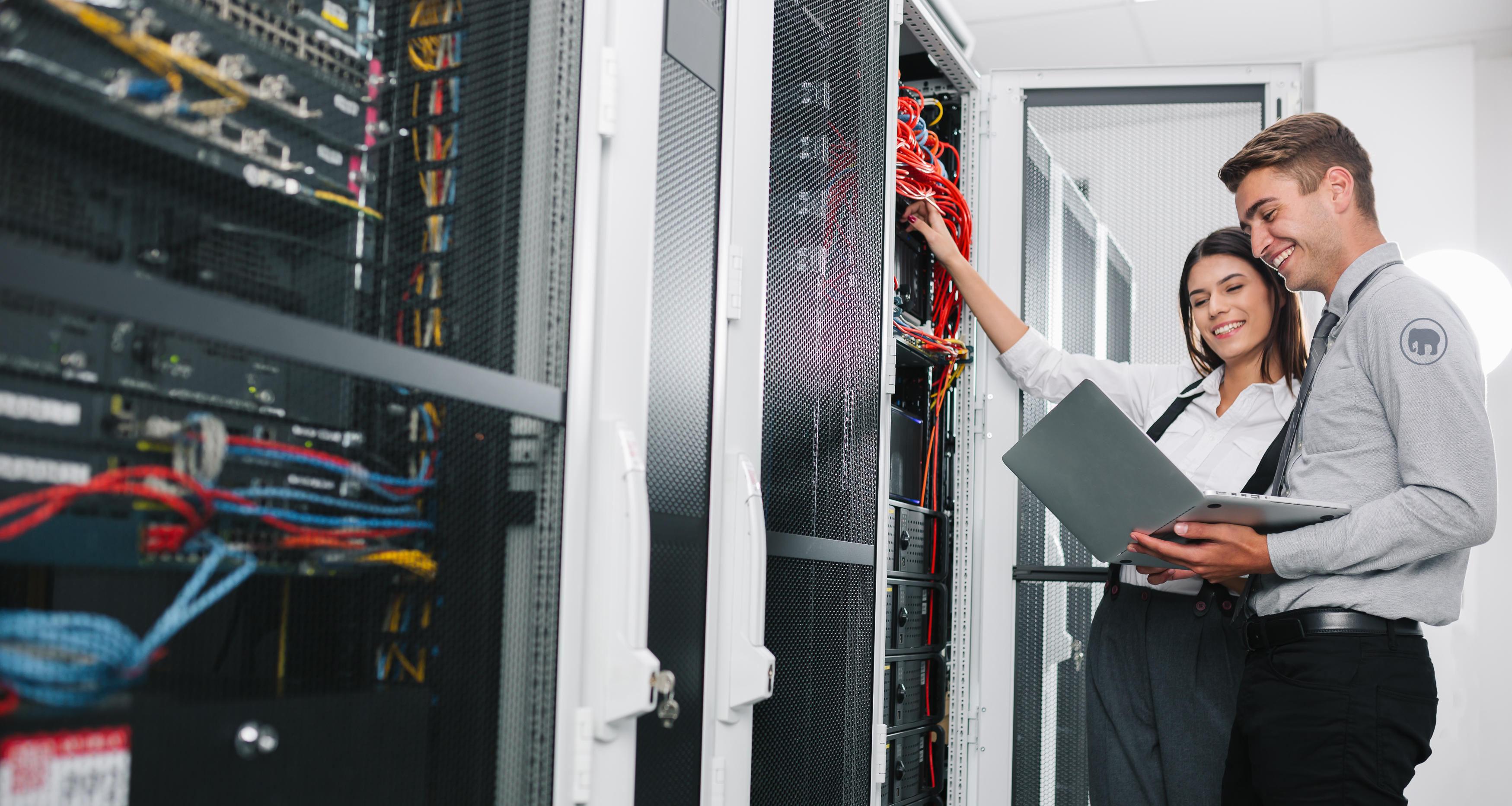 IT-teknikar som arbetar